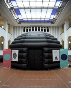 Das mobile Planetarium kann an vielen Orten aufgestellt werden. | Foto: F.-M. Arndt © SPB