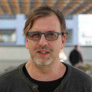 <b>Götz Gringmuth-Dallmer</b> ist Datenjournalist und Projektmanager beim RBB und leitet dort das Team für Datenjournalismus.