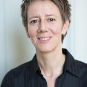 Dr. Mareike König ist Historikerin und Bibliothekarin und leitet am Deutschen Historischen Institut Paris die Abteilungen 19. Jahrhundert, Digital Humanities und die Bibliothek. Sie bloggt, twittert und facebooked über ihre eigene Forschung und hat das deutschsprachige Blogportal für die Geistes- und Sozialwissenschaften <a href=http://de.hypotheses.org/'>de.hypotheses.org </a>aufgebaut.