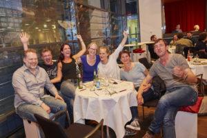 Bei dieser Quizrunde im Forum der <i>Körber Stiftung</i> ist der Plan aufgegangen: den Gästen einen lustigen Abend zu organisieren. Foto: Claudia Höhne