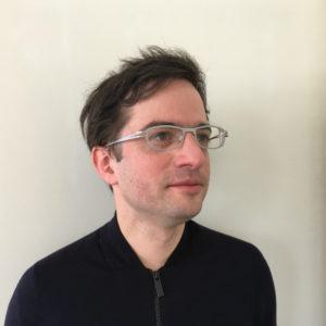 <b>Emanuel Wyler</b> – verhalten optimistisch in die Zukunft der Wissenschaftskommunikation blickend – ist promovierter Molekularbiologe und betreibt Grundlagenforschung im Bereich Genregulation am Max-Delbrück-Centrum für Molekulare Medizin in Berlin. Nebenbei betreibt er einen Blog und engagiert sich gern in der Wissenschaftskommunikation. Foto: privat
