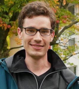 "Robert Hoffieforscht am Leibniz-Institut für Pflanzengenetik und Kulturpflanzenforschung (IPK) in der Arbeitsgruppe Pflanzliche Reproduktionsbiologie. Als <a class="""" href=""https://twitter.com/forscherrobert?lang=de"" target=""_blank"" rel=""noopener"">@Forscherrobert</a> ist er auf Twitter aktiv und beteiligt sich an Debatten über Grüne Gentechnik. Foto: IPK"