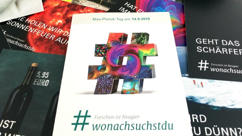 Online- und Offline-Welt miteinander verknüpft: Flyer, Poster und Postkarten beantworten Fragen und ermutigen, eigene Fragen rund um die Forschungsthemen der Max-Planck-Gesellschaft zu stellen. Foto: Max-Planck-Gesellschaft
