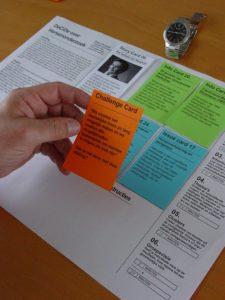 Im Laufe des Spiels kommen immer mehr Informationskarten hinzu. ©Verein ScienceCenter-Netzwerk