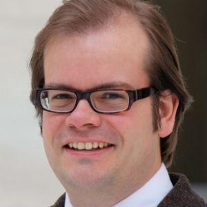 Christoph Uhlhaas leitet die Kommunikation von <i>acatech</i> – Deutsche Akademie der Technikwissenschaften. Vor seiner Laufbahn bei der Akademie schrieb er als Wissenschaftsjournalist für Gehirn & Geist, Spektrum.de, Spiegel Online und andere. Foto: privat