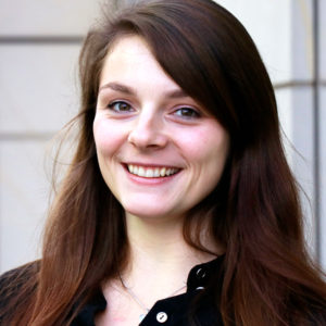 Marina Wirth ist Projektmanagerin für Fast Forward Science bei Wissenschaft im Dialog. Hier organisiert die studierte Biologin den Webvideo-Wettbewerb für Wissenschaftsvideos auf Youtube. Foto: WiD