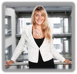 Sandra Wagner ist stellvertretende Leiterin der Rektoratsdienste an der Universität Zürich und ist dort für den Aufbau eines zentralen Eventmanagements verantwortlich. Die promovierte Erziehungswissenschaftlerin forschte und arbeitete zuvor mehrere Jahre im Bereich der Qualitätsentwicklung von Lehre und Hochschulen. Foto: Universität Zürich
