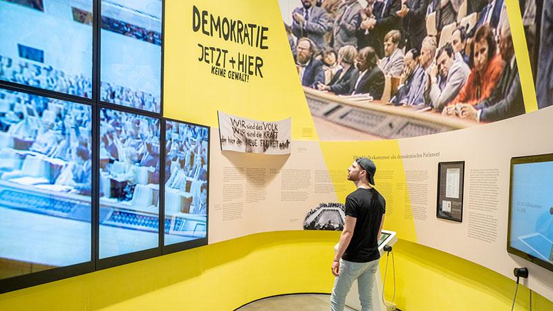 """Ausstellung """"Parlamentarische Demokratie"""" für den Deutschen Bundestag. Foto: Michael Feser/Archimedes Exhibitions"""