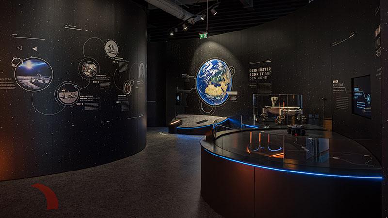 """Ausstellung """"Mooncity"""" zu Elektromobilität für Porsche Holding. Foto: Christian Houdek"""